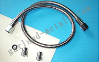 Alt:flexible retractable faucet hose